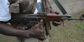 Gunmen kill 16 travellers